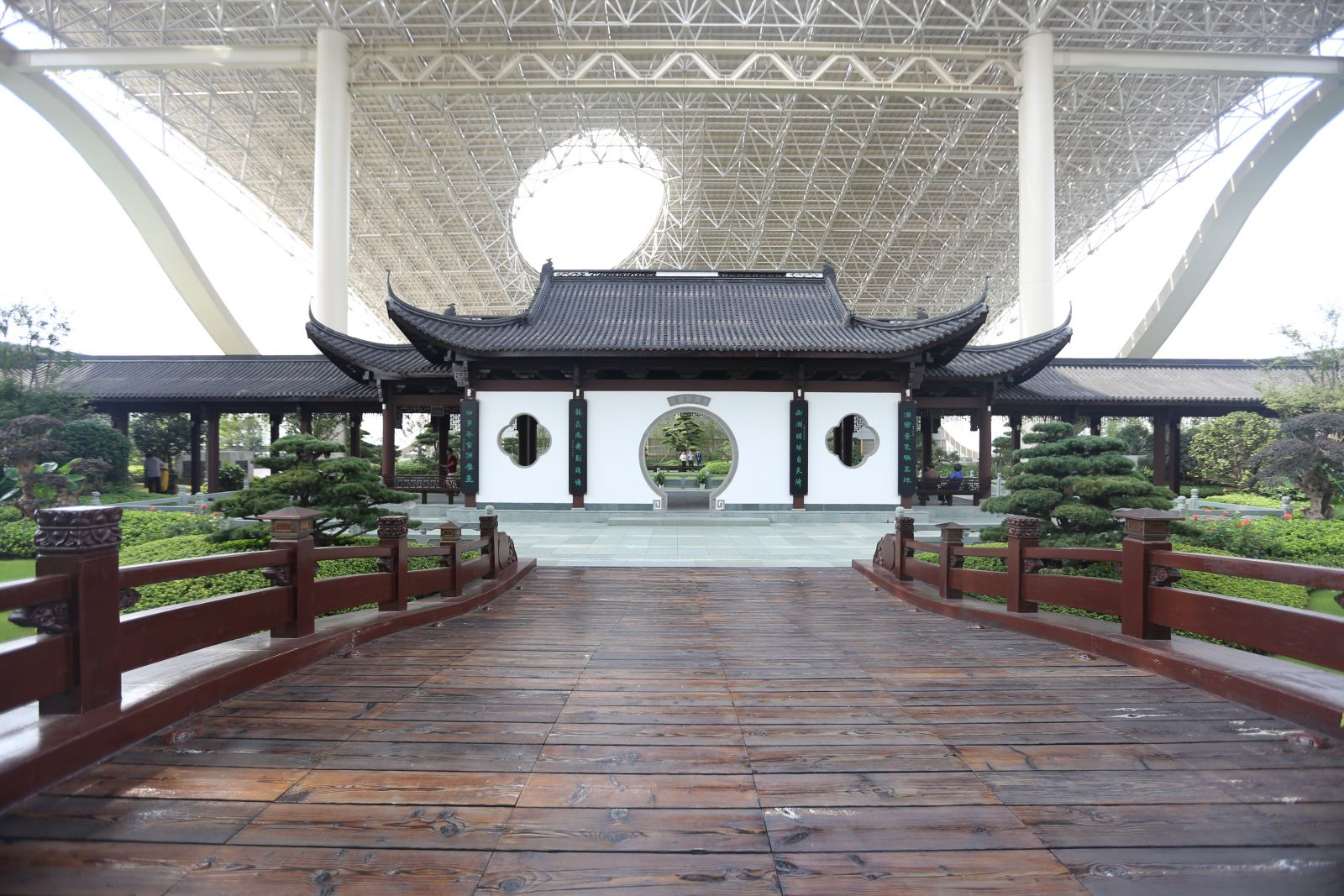 2016新世纪娱乐专业奖参赛项目:杭州国际博览中心屋面园林绿化工程